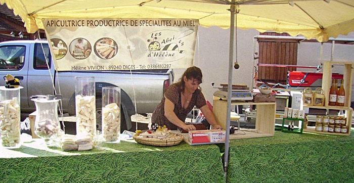 Stand apicultrice - producteur de miel - Epoisse 2011
